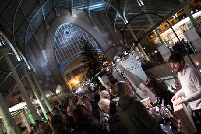 La magia de las burbujas valencianas llega a su cita con el Mercado Colón