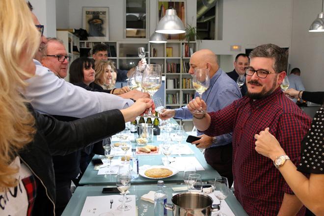 Clos Cor Ví inaugura las catas del nuevo local de 5Barricas con Vinos con Corazón