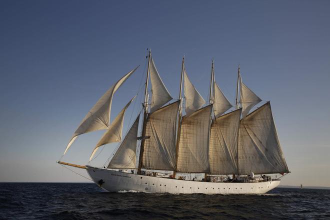 Los majestuosos veleros vuelven a hacer 'Escala a Castelló'