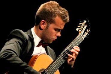 Merienda y concierto de guitarra de Ferran Talarn en la bodega Mas Blanch i Jové