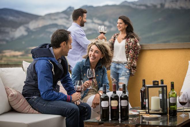El auténtico tardeo se vive en la Ruta del Vino de Rioja Alavesa