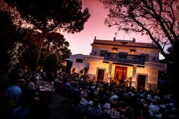 Elvira Lindo y el pianista Antonio Galera en Literatura al Compás, en el Festival dels Horts de Picanya